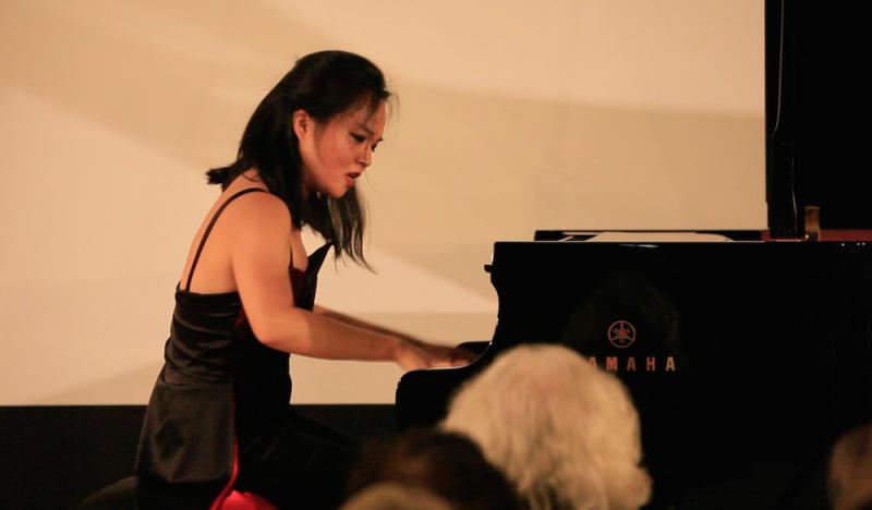 Cindy Liu CC'18 plays the piano.