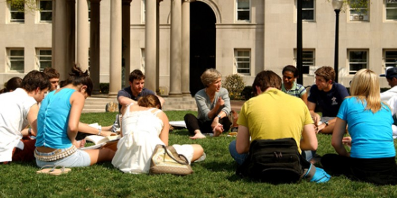 Class on the lawn. Photo by Eileen Barroso