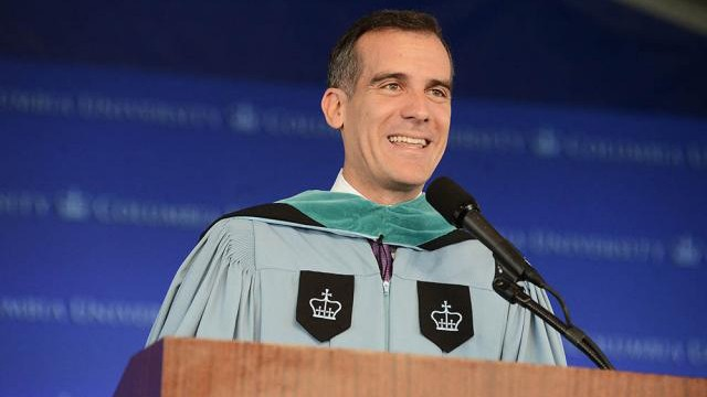 Photo of Eric Garcetti speaking at 2015 Class Day