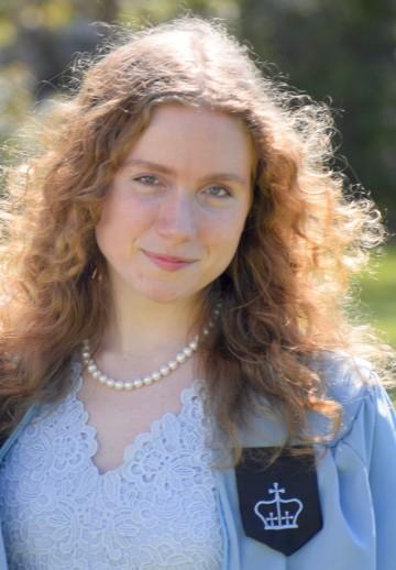 Eva Farkas CC'20