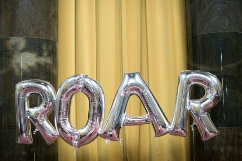 CCW30 Roar Balloons