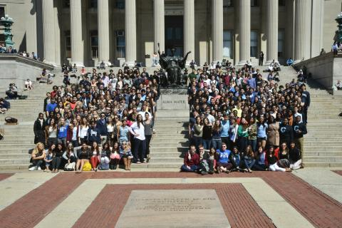 On April 9, the students of Columbia College and the School of Engineering & Applied Sciences gathered on the steps of Low Plaza to take a photo with their fellow classmates. Participating students were given a Columbia University pin displaying their class year. Photo: LifeTouch Photography