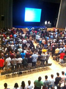 The Columbia College Class of 2017 made history as the first class to adopt an honor code. Students took the pledge together at the Columbia College Academic Assembly during New Student Orientation Program (NSOP). Photo: Alycen Ashburn