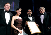 Dean Austin Quigley, Samantha Elghanayan '09, Paterson and President Lee C. Bollinger at the 2007 John Jay Awards Dinner, where Paterson was one of five alumni honored for distinguished professional achievement. PHOTO: EILEEN BARROSO