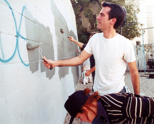 Garcetti's popular UNTAG program has greatly reduced the amount of graffiti in the area by having the city and community work together to immediately paint over fresh graffiti. Photo: Courtesy Eric Garcetti '92, '93 SIPA