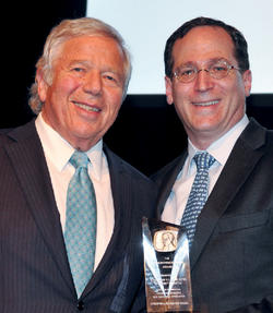 Robert K. Kraft '63 (left) and Seixas Award honoree Jonathan S. Lavine '88. Photo: John Costello