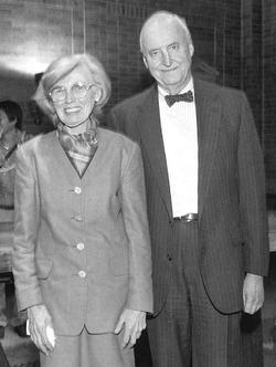 De Bary met Fanny Brett '43 Barnard at a tea dance in Brooks Hall. They were married for 67 years. PHOTO: JOE PINIERO/COLUMBIA UNIVERSITY