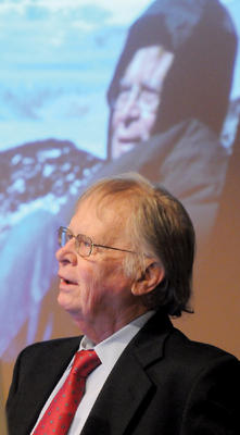 Wally Broecker '53, '58 GSAS spoke of his teaching experiences at a celebration in 2010 at the Lamont-Doherty Earth Observatory. PHOTO: COURTESY LAMONT-DOHERTY EARTH OBSERVATORY