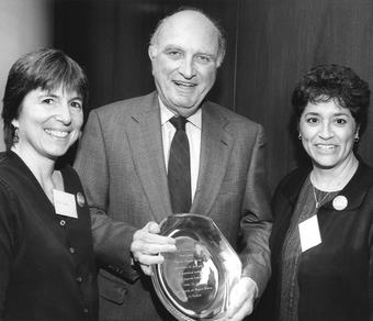 Dorsen accepts an award from the Society of American Law Teachers from Co-presidents Carol Chomsky (left) and Margaret Montoya in 2000. Photo: Courtesy Norman Dorsen '50