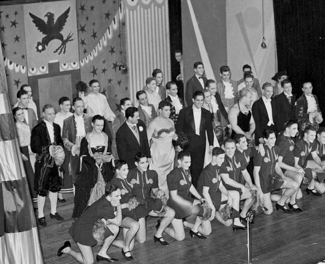 The full cast of 1939's Fair Enough on stage at the Hotel Astor.PHOTO: DELAR ROCKEFELLER CENTER