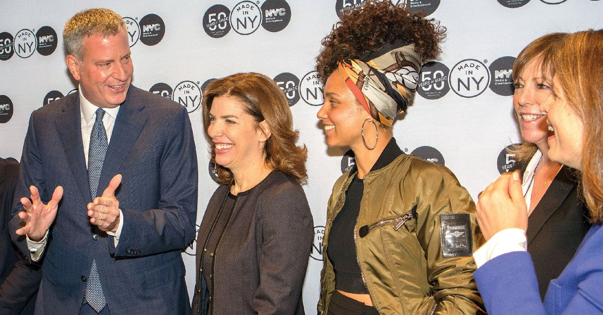 Mayor Bill de Blasio, Julie Jacobs Menin '89, Alicia Keys, Jane Rosenthal and Deputy Mayor Alicia Glen at the 50th Anniversary celebration of MOME.