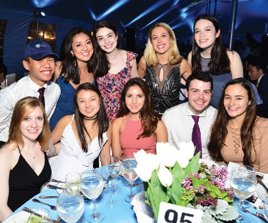Members of the Class of 2017 pose together during the annual Columbia College Senior Dinner.
