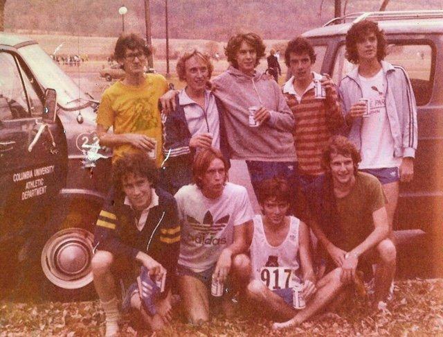 SU.20_Lions_Columbia XC team