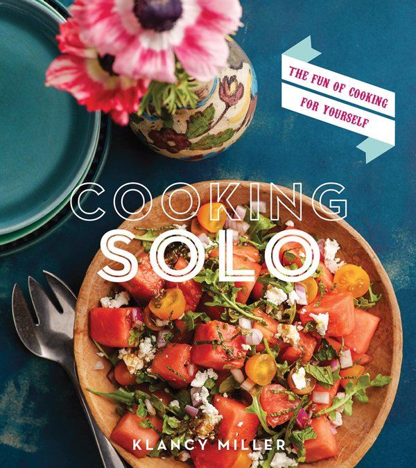 "Book cover of ""Cooking Solo"""