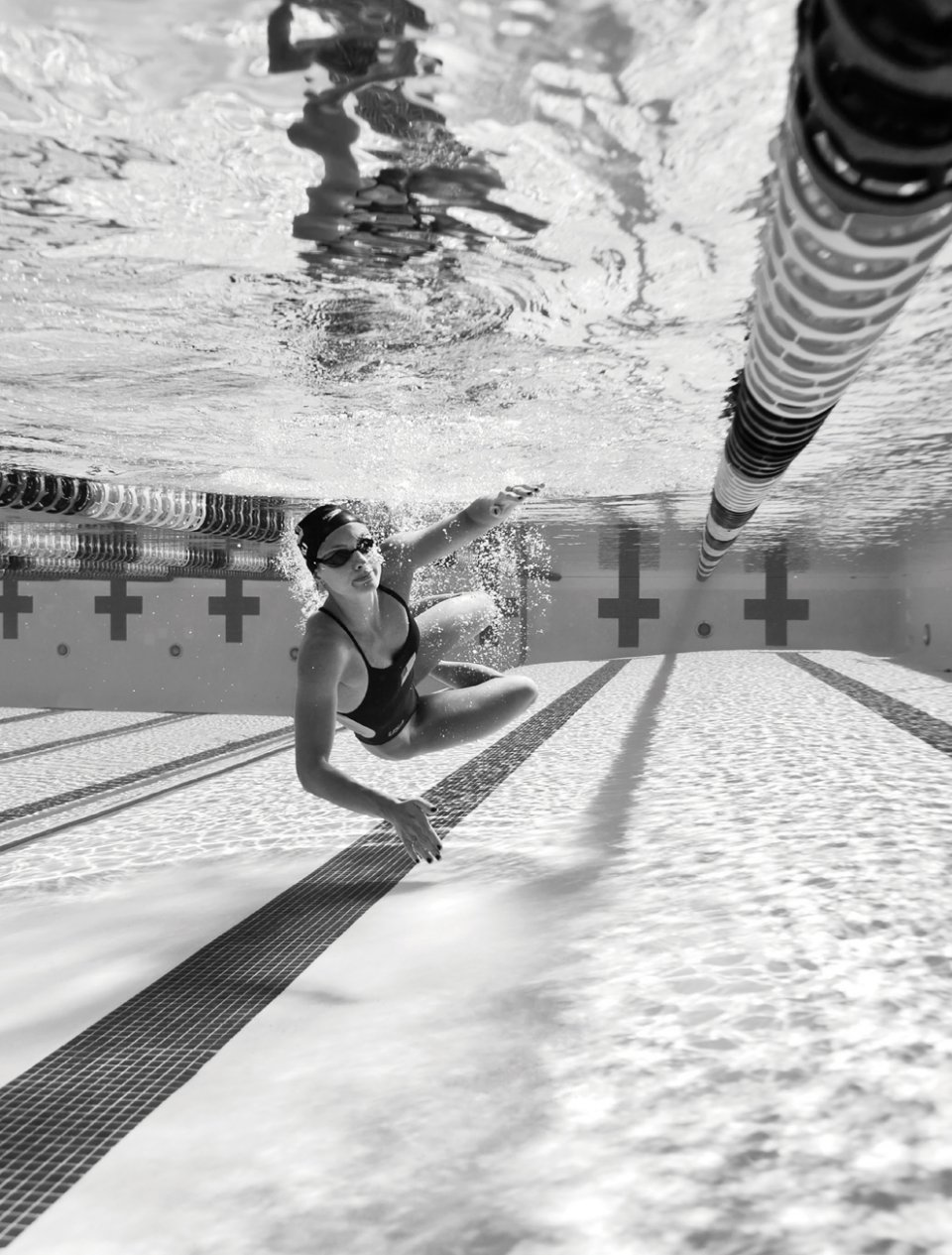 Katie Meili '13 photographed under water