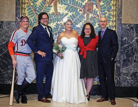 Francis Grunow '96 and Carolyn Geck with wedding guests