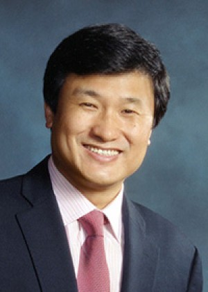 Li Lu CC'96, LAW'96, BUS'96