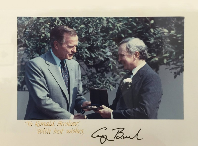 University Professor Ronald Breslow (right) with former President George H. W. Bush, recieing the 1991 U.S. National Medal of Science in the Rose Garden.