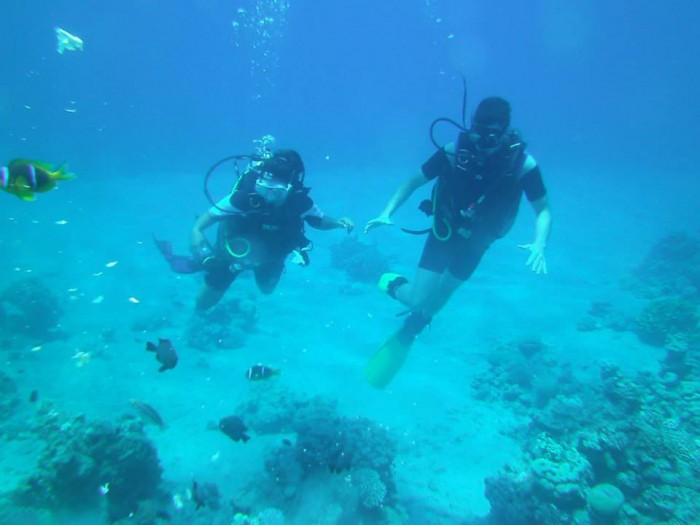 Meghna (left) and Jordan Richard CC'15 scuba dive in the Red Sea in Aqaba, Jordan. Photo: Courtesy Meghna Mukherjee CC'15